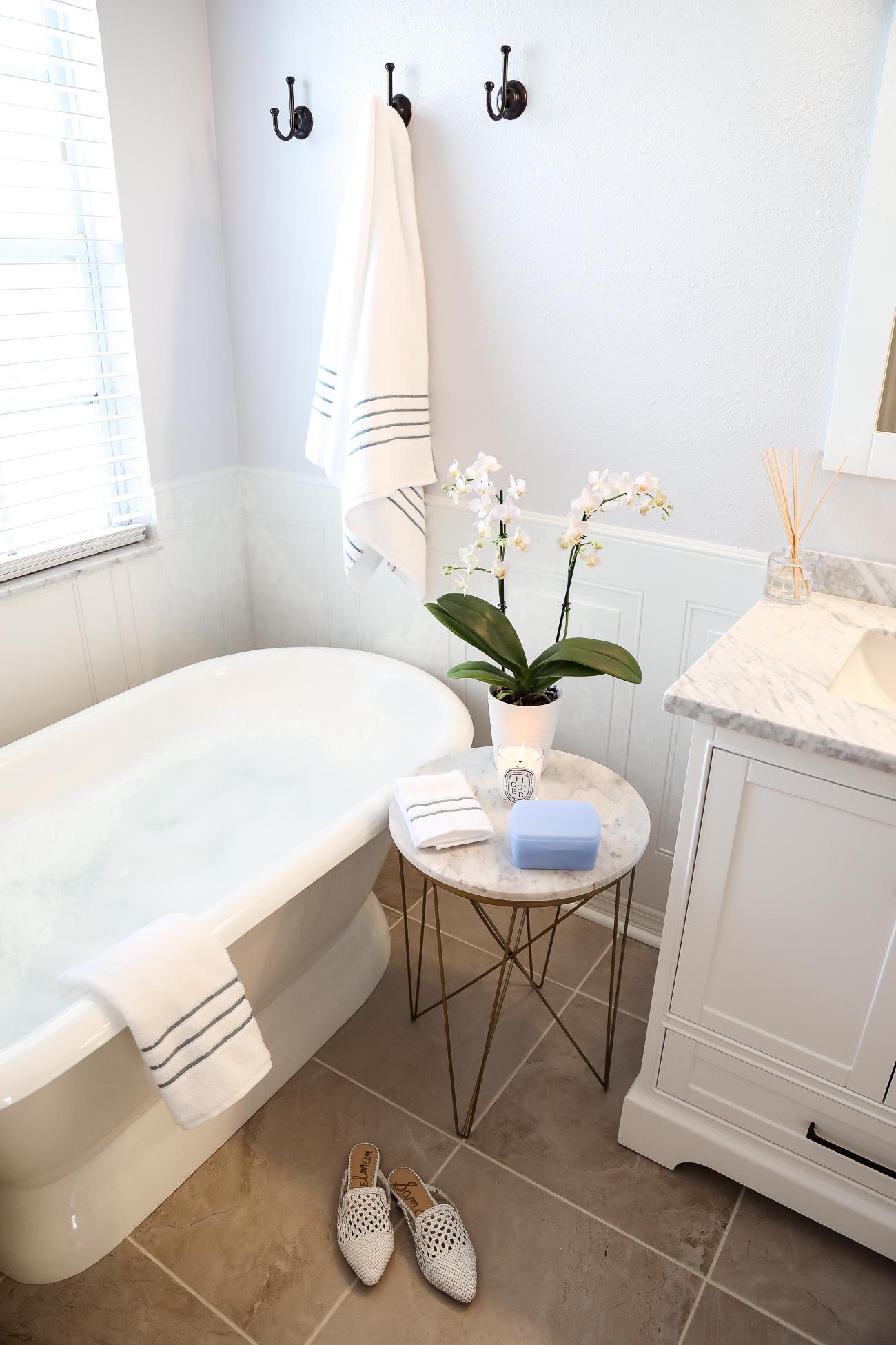 Neutrogena Makeup Remover Wipes White Marble Bathroom Freestanding tub