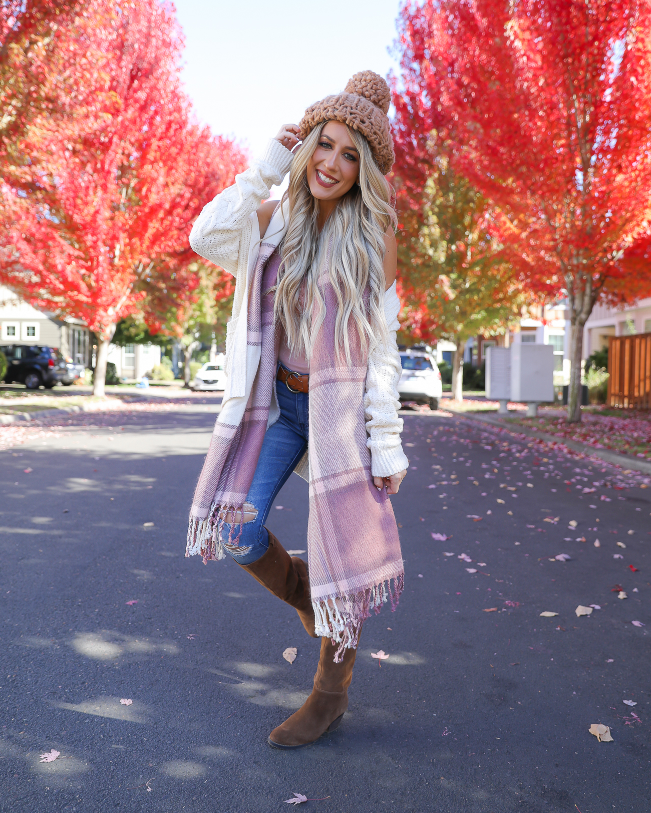 Cozy Fall outfit chunky knit Beanie Pink Plaid scarf White cardigan Fall outfit idea Portland, Oregon-2