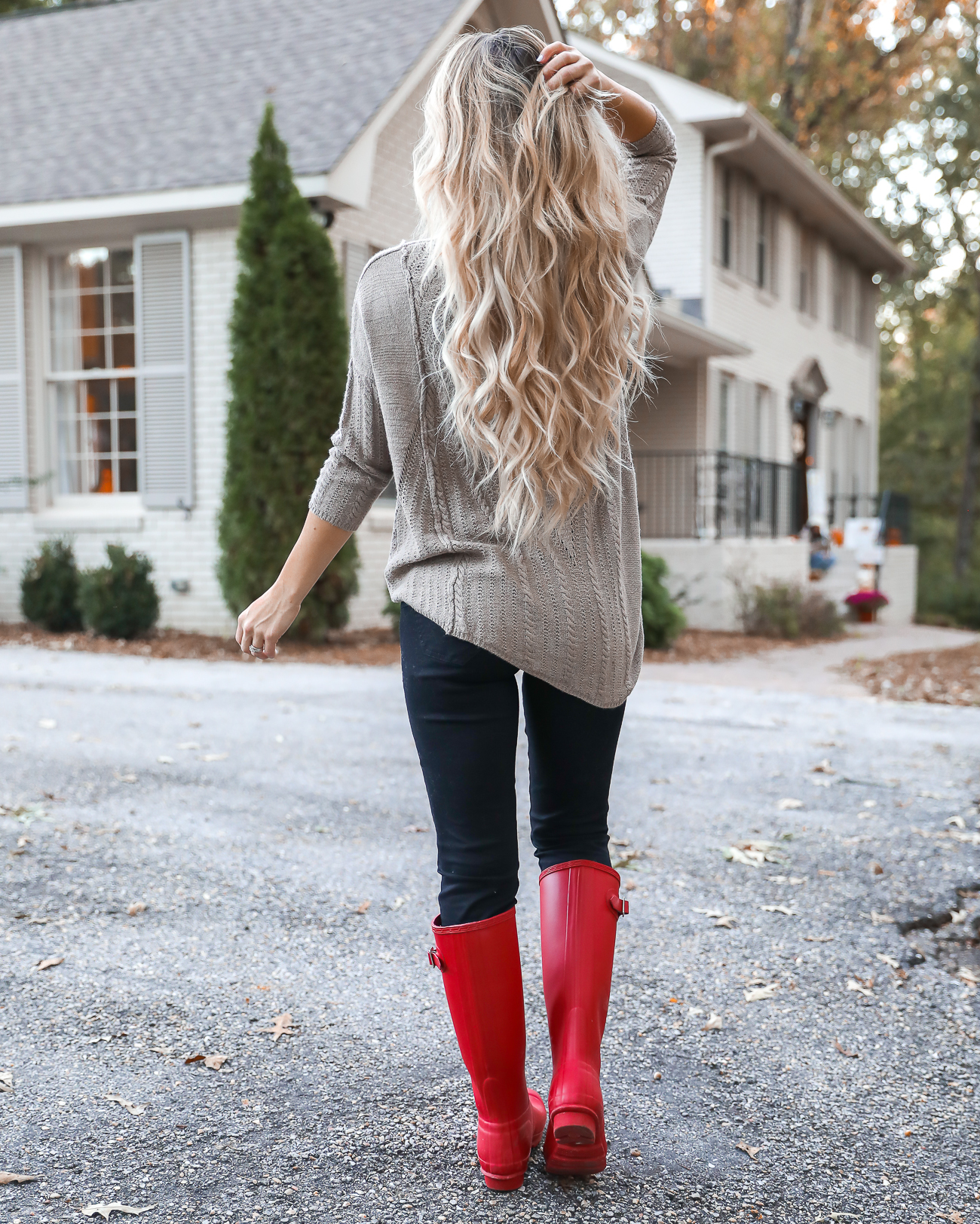 Thangsgiving Day Outfit Idea Red Hunter Boots Burberry Scarf Dog sweater Casual Holiday Outfit Idea-27