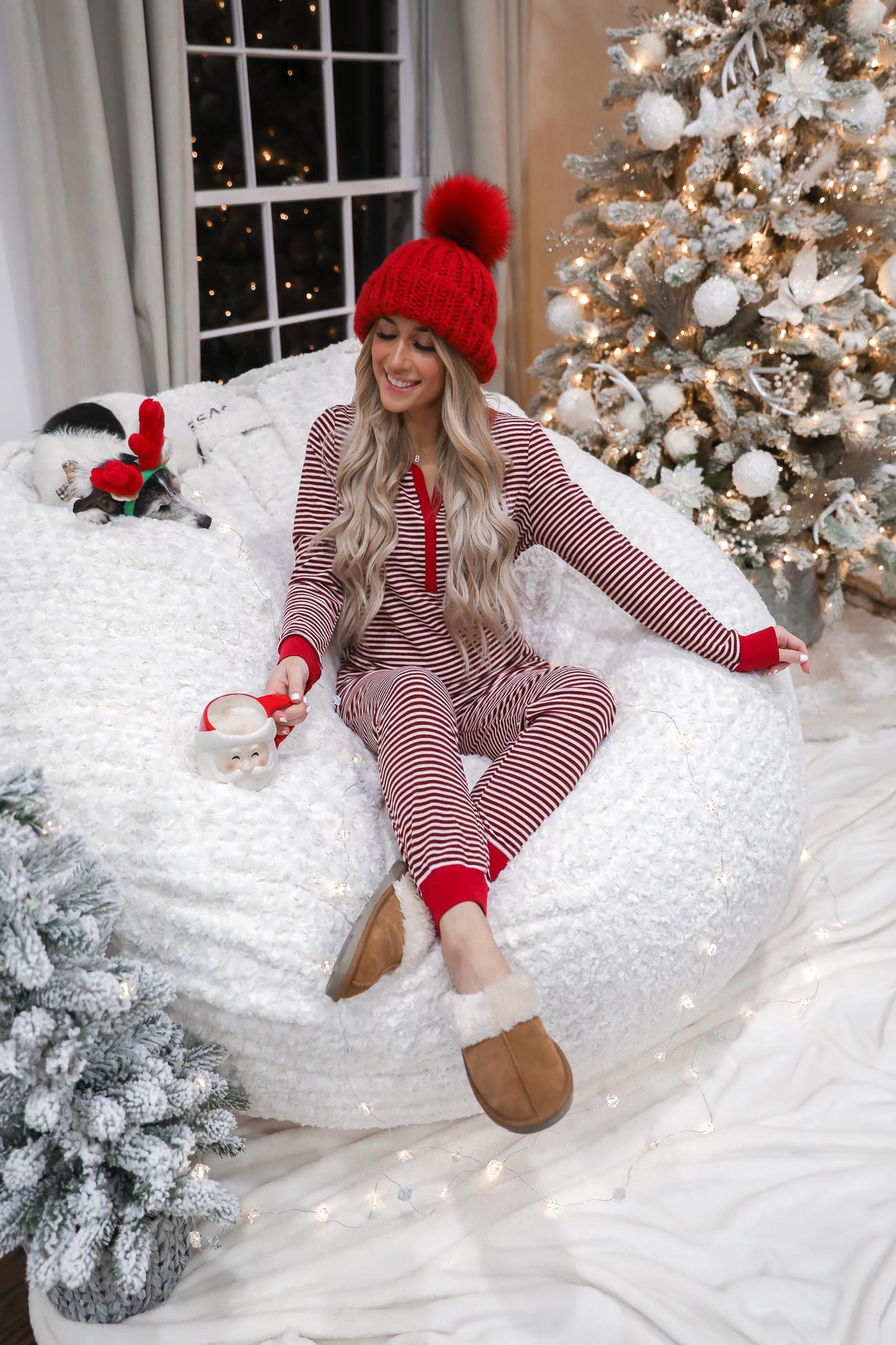 Jockey Cozy Chirstmas Pajamas King Of Christmas Flocked Tree Lovesac Bean bag White Christmas Laura Beverlin (5 of 22)