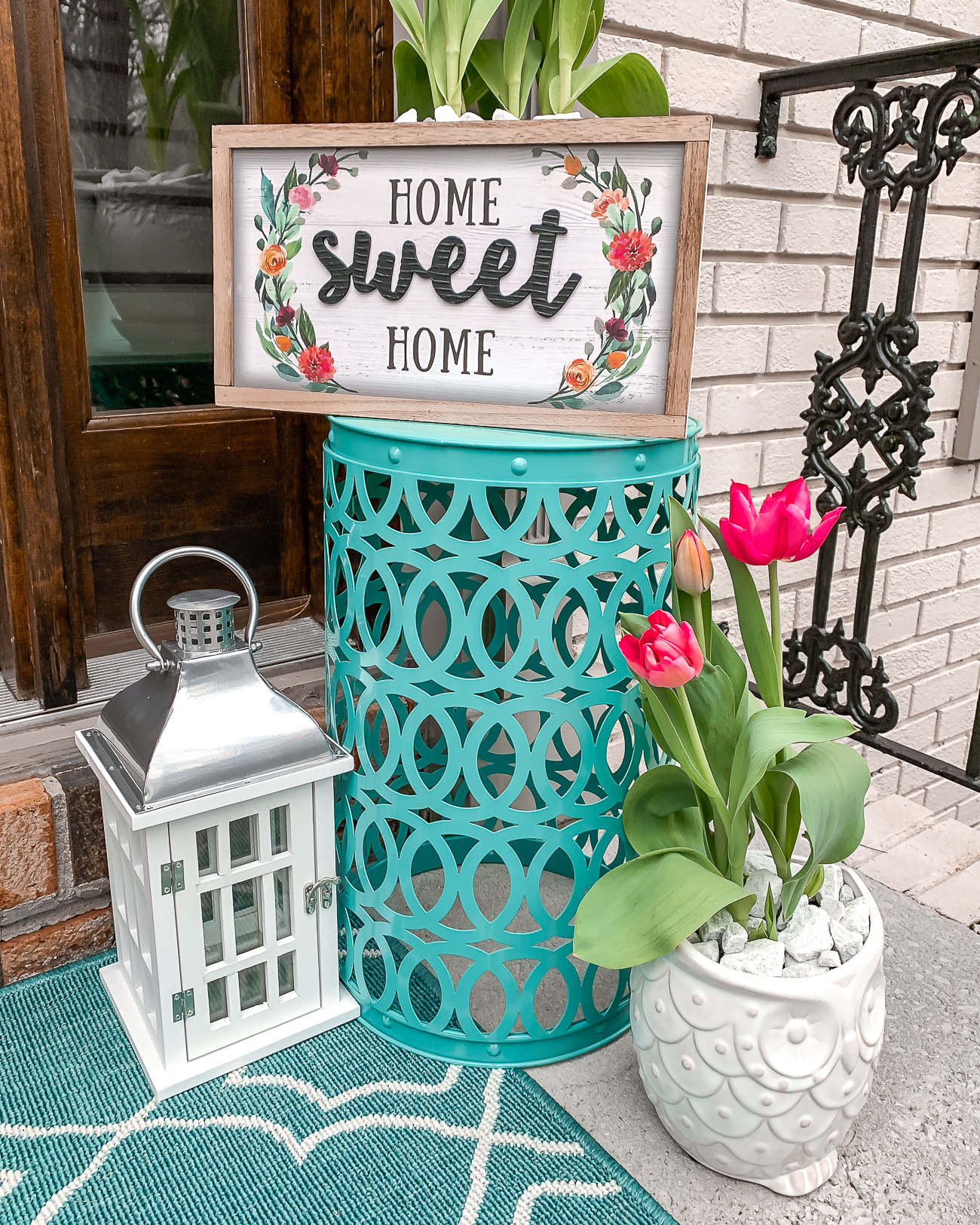 Spring summer front porch idea Front door wreath Home decor Home depot laura beverlin -17