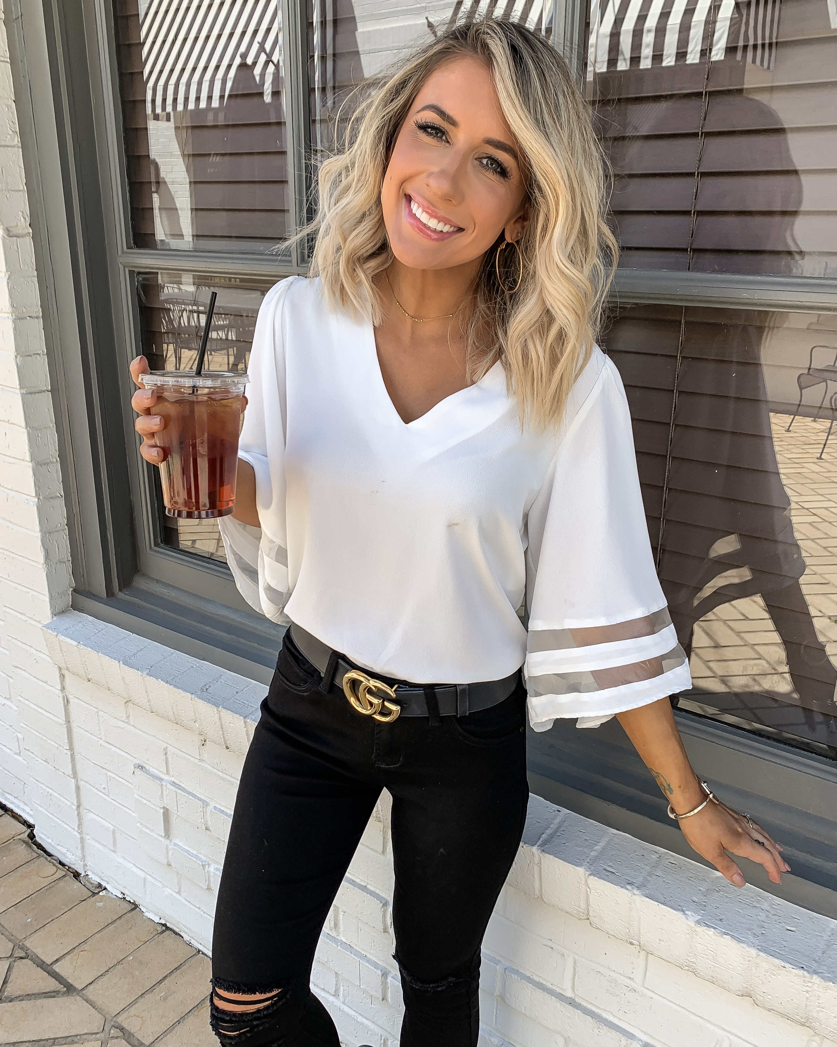 White flowy top Black skinny jeans gucci belt black tory burch millers amaryllis short hair outfit Laura Beverlin3