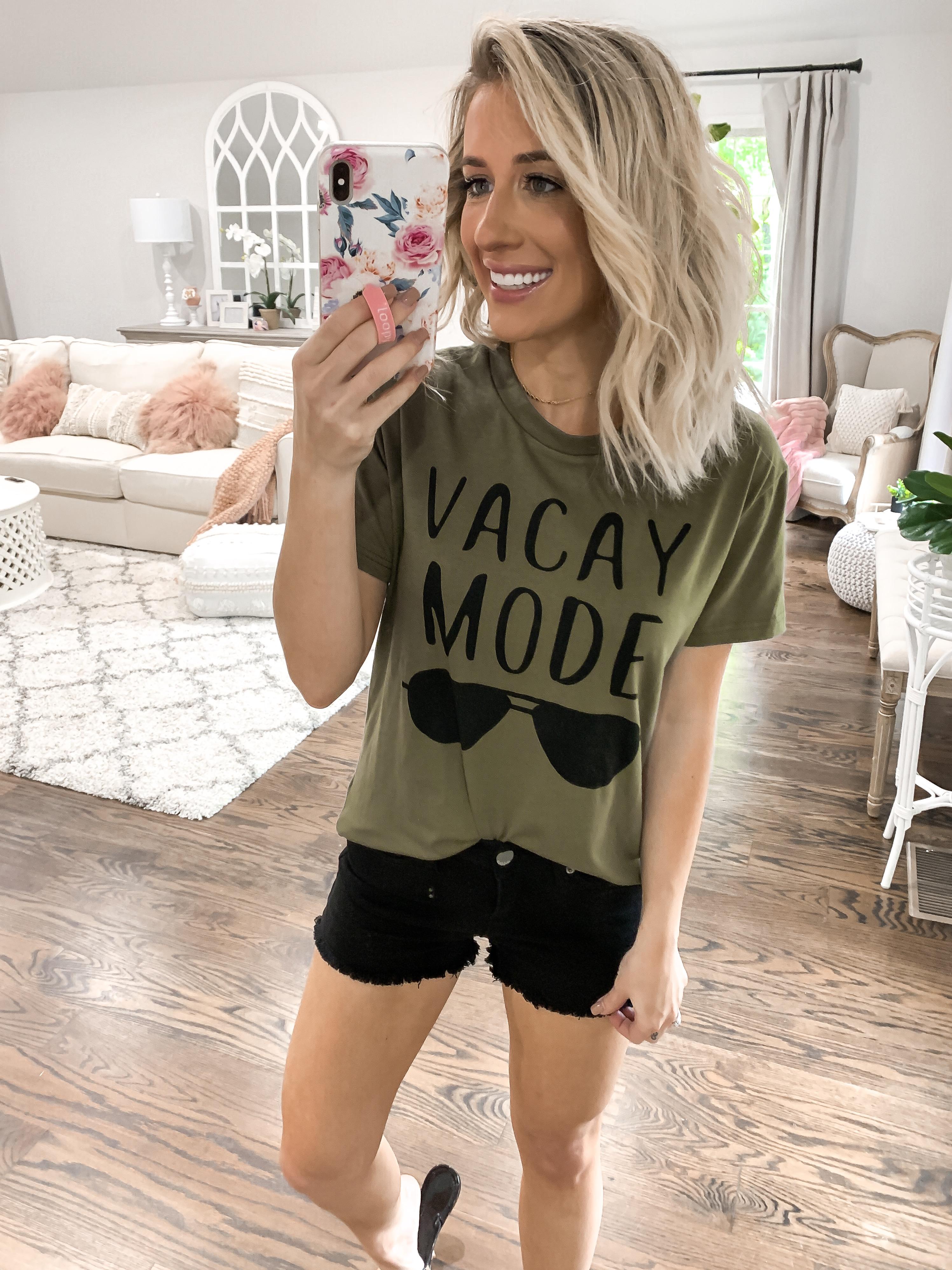 summer finds under $25 vacay mode amazon tshirt Black shorts short blonde hair laura beverlin
