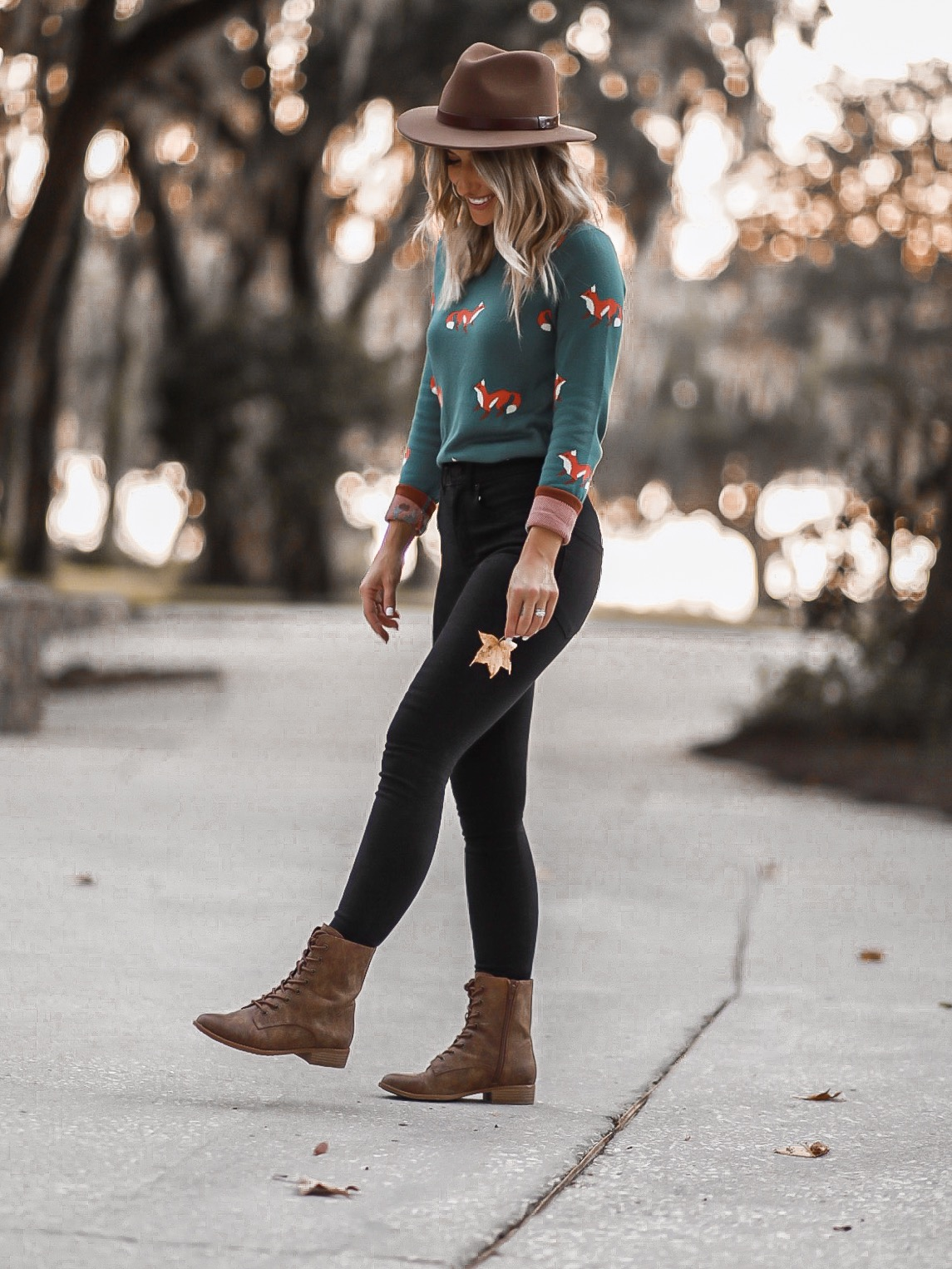 FALL OUTFIT IDEA FOX SWEATER MODCLOTH LAURA BEVERLIN6