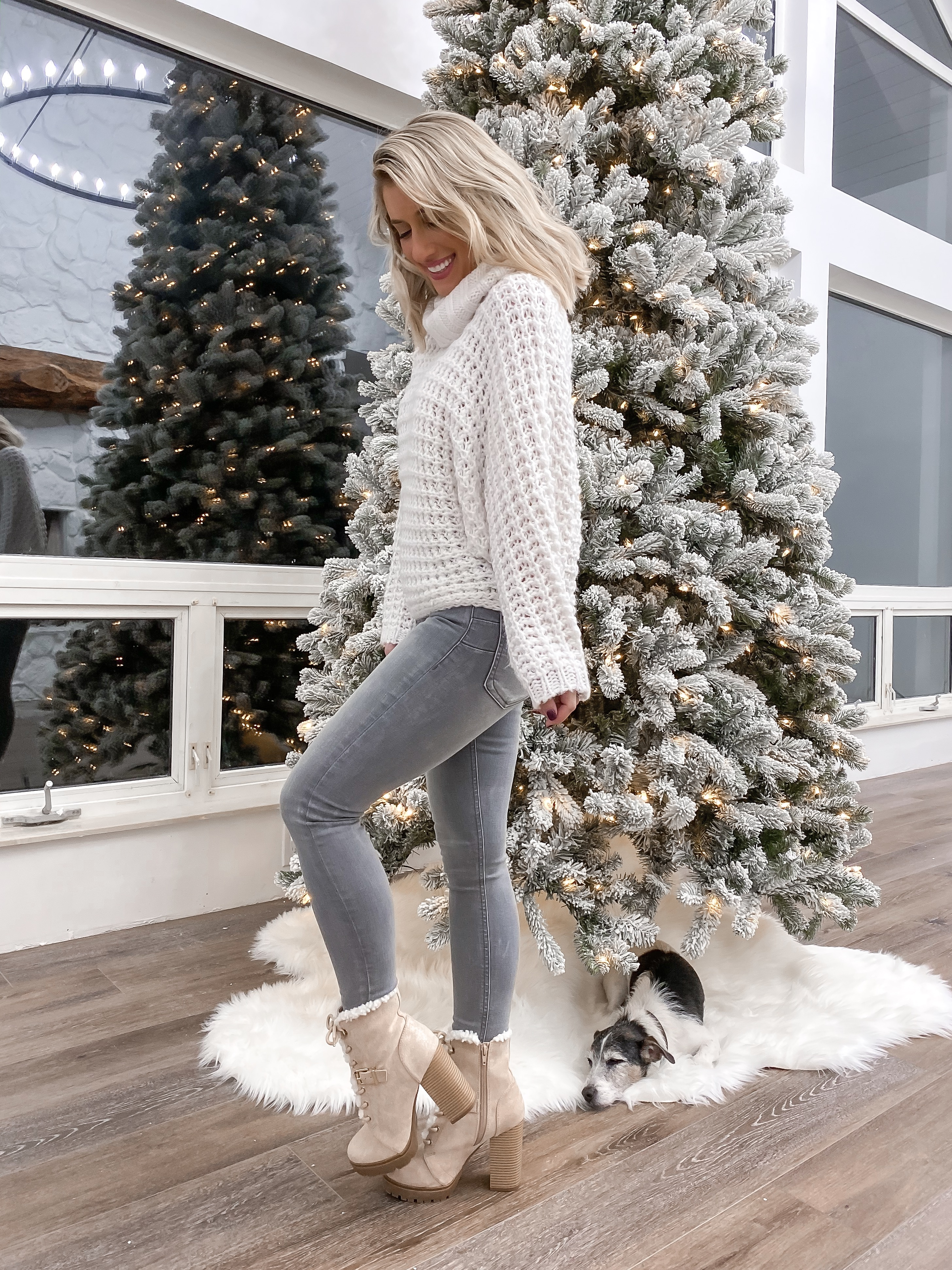 2 Laura Beverlin cozy winter outfit thanksgiving casual christmas outfit idea 8