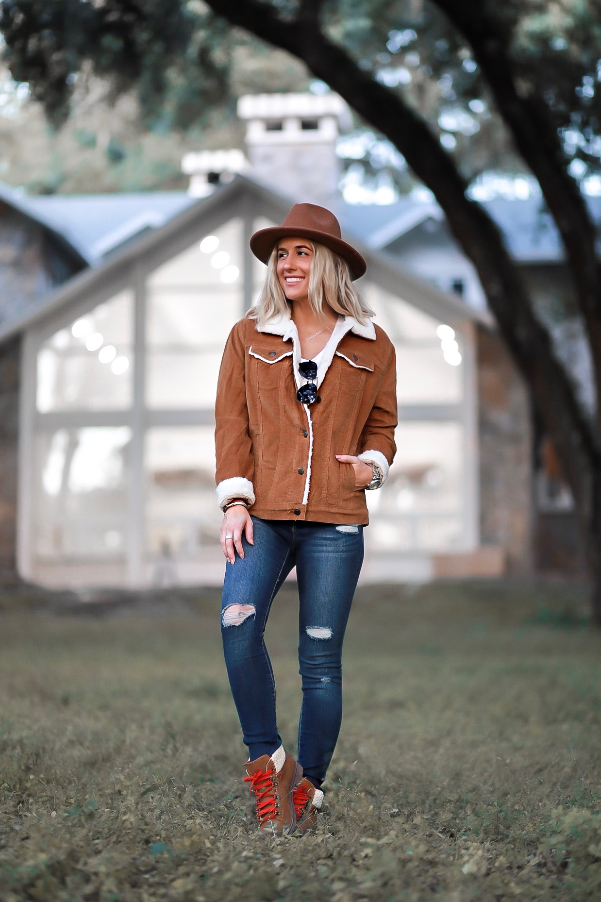 COZY FALL WINTER OUTFIT UNDER $50 LAURA BEVERLIN SHEARLING JACKET BOOTS