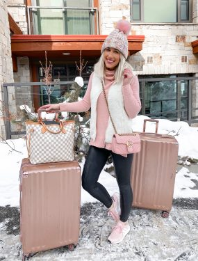 laura beverlin travel outfit park city utah