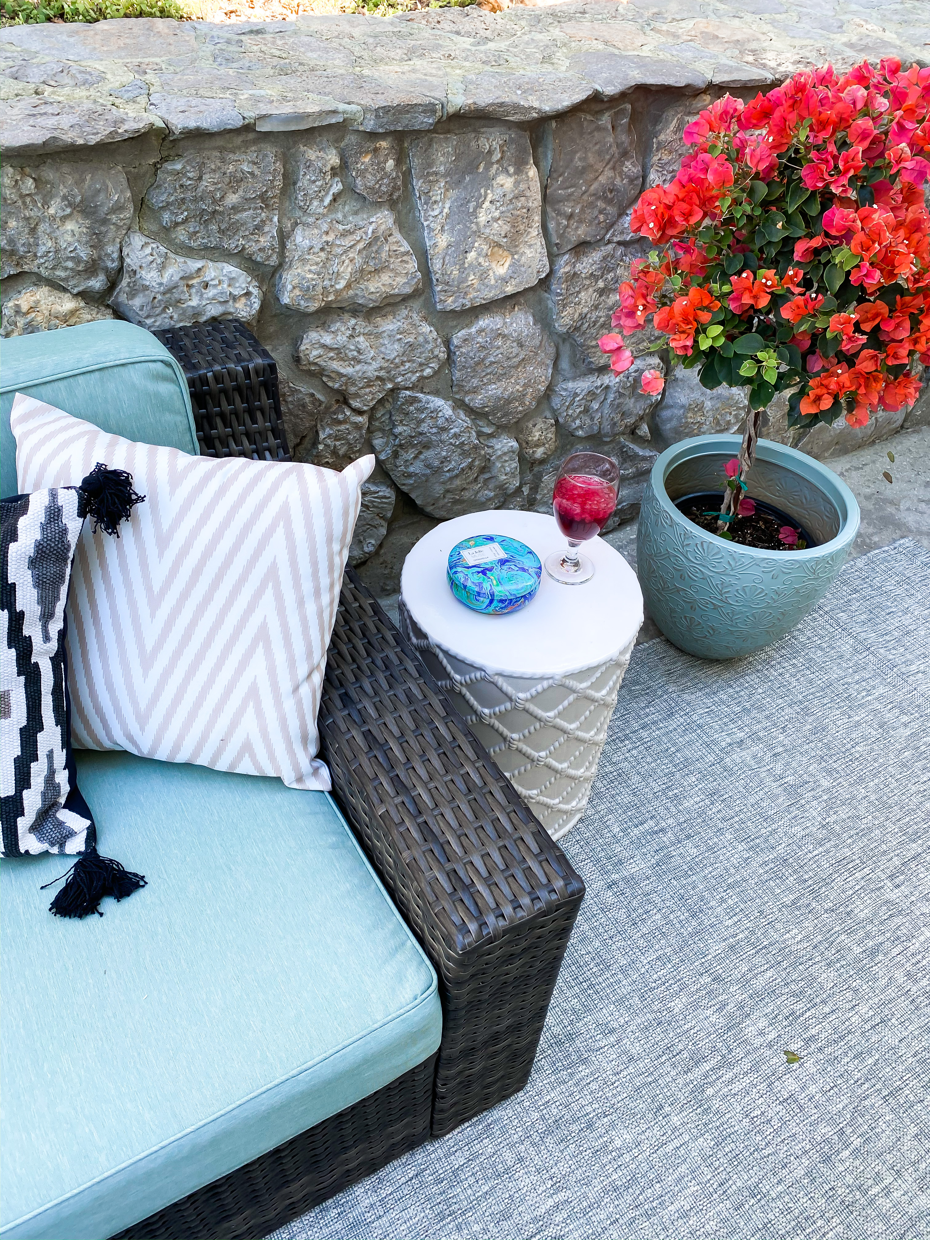 Laura Beverlin House Spring Patio Furniture7
