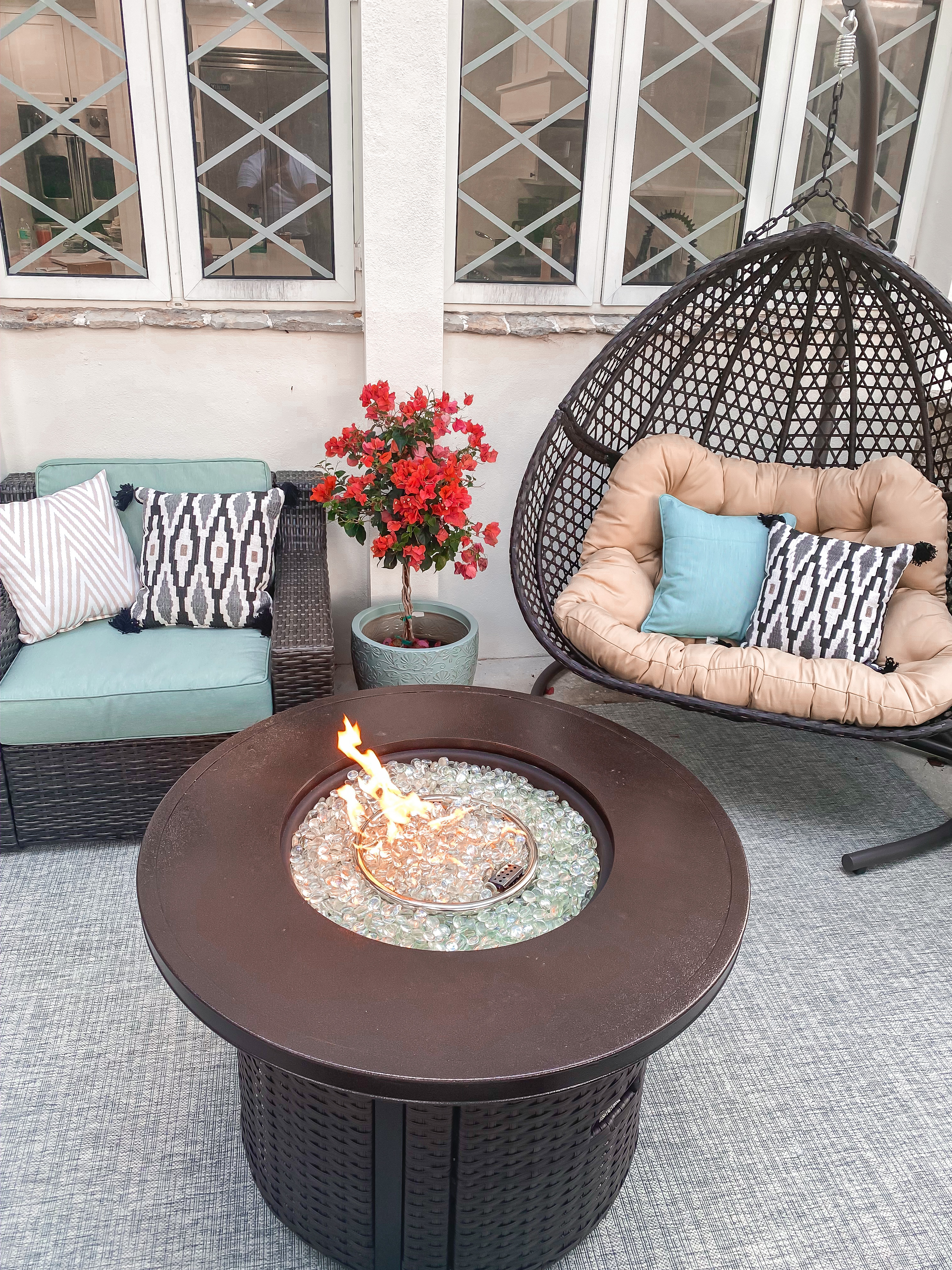 Laura Beverlin House Spring Patio Furniture10